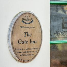 the_gate_inn_4_of_9.jpg
